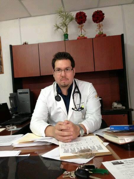 Dr.Luis Enrique Villanueva Martel