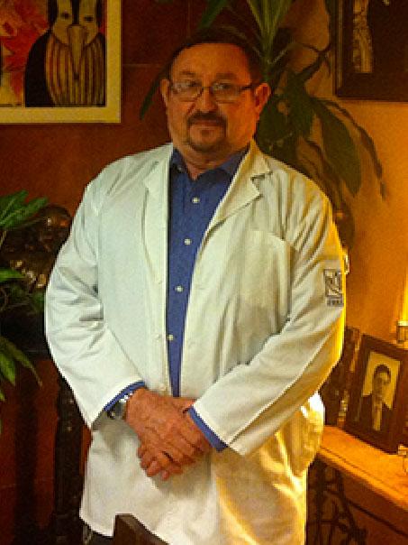 Dr.Luis Humberto Villanueva Cázares